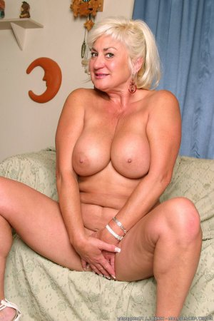 Goldie outcall escorts Carrboro